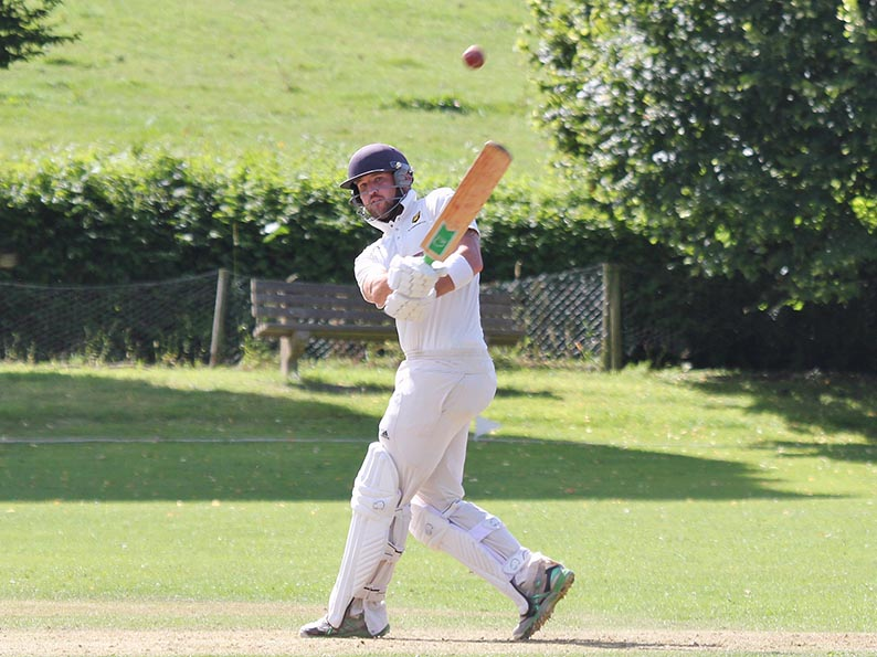 Mark Halse - runs for Alphington against Clyst SG