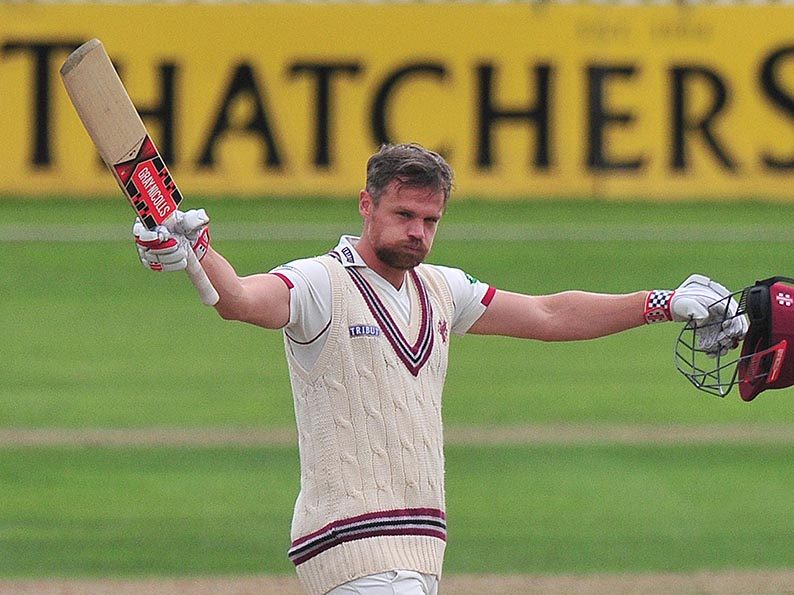 Jamie Hildreth celebrating a ton against Notts. Photo: ppauk.com