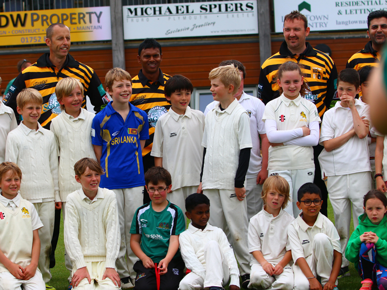 Lashings players mingle with youngsters in front of the pavilion at Plymouth<br>credit: All photos courtesy of Chris Cottrell