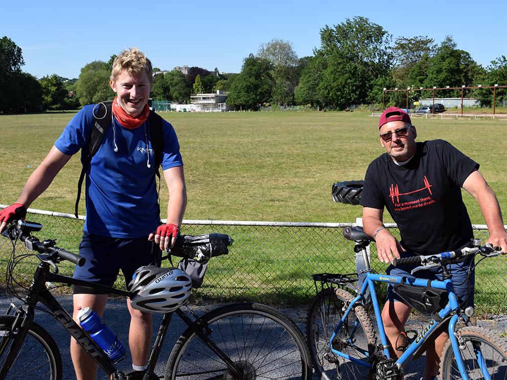 Neal Osborne (left) and dad Paul on arrival at Torquay Recreation Ground<br>credit: Conrad Sutcliffe