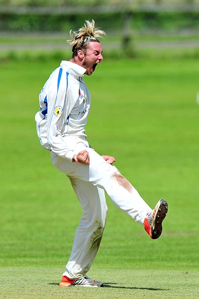 Matt Golding celebrates the fall of another wicket - Photo: Pinnacle Picture Agency